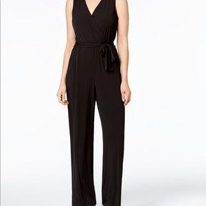 🖤NY&C 🖤 sleeveless v-neck jumpsuit